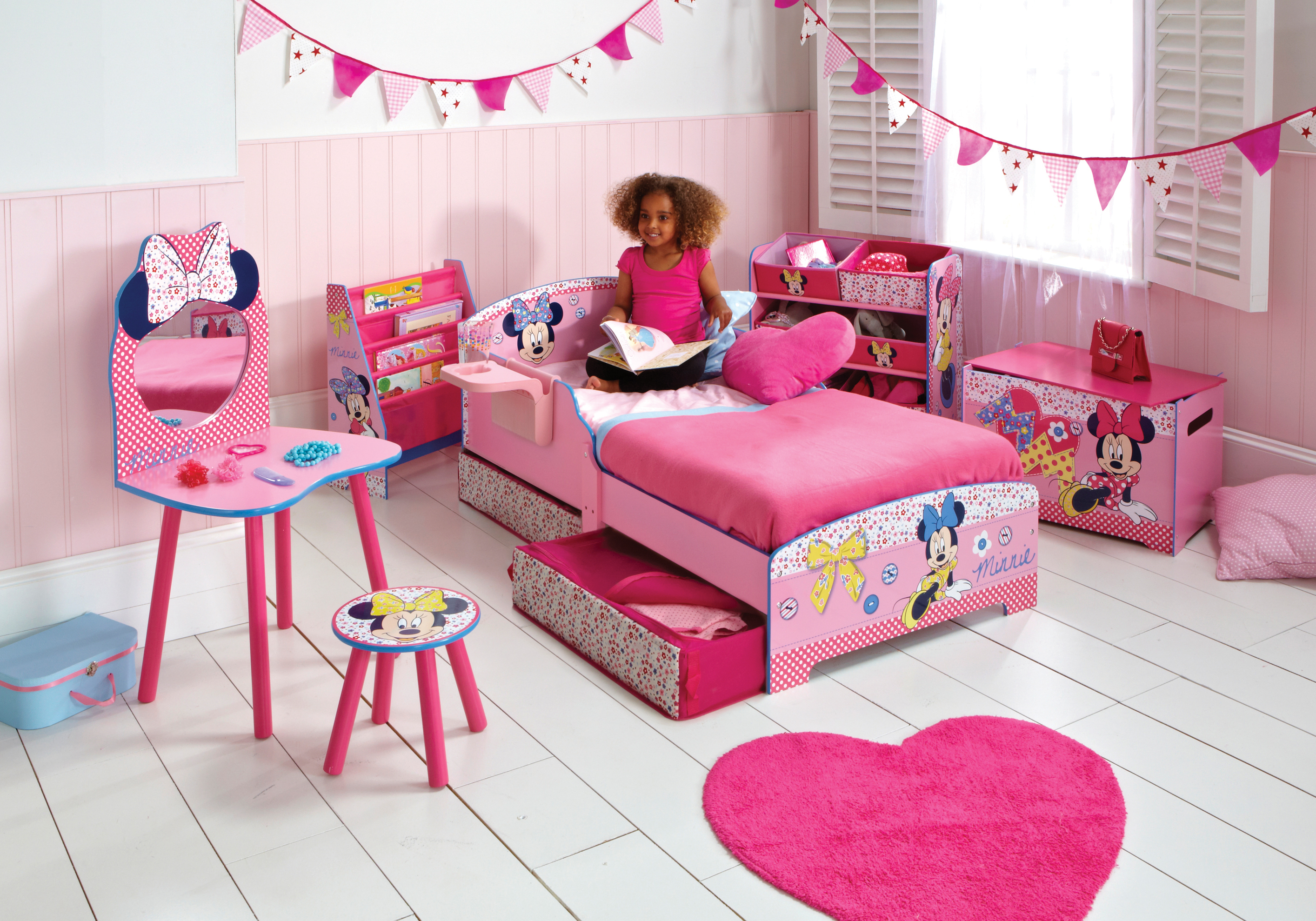 pok j dla fana disneya fd. Black Bedroom Furniture Sets. Home Design Ideas