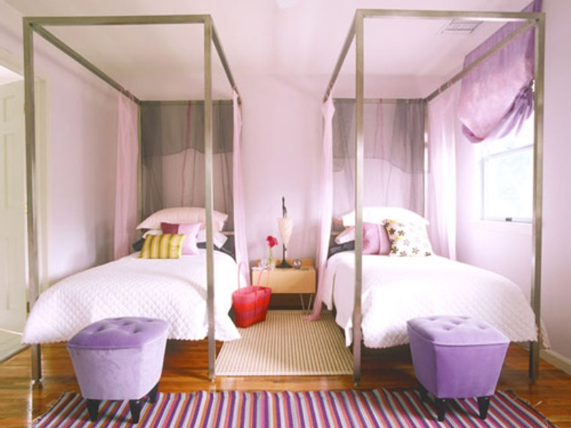 Boys shared bedroom