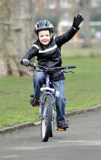 pierwszy-rower-dla-dziecka (2)