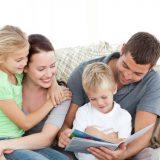 Czytanie to jedna z lepszych metod rozwoju wyobraźni u dziecka.